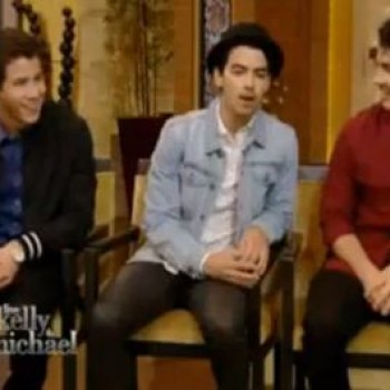 "Jonas Brothers on 'Live with Kelly and Michael' Interview, ""Pom Poms"" Performance"