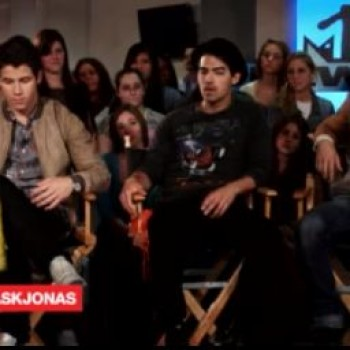 Jonas Brothers MTV Chat: Joe's Sex Tape Rumor, Nick Happy Being Single and More!