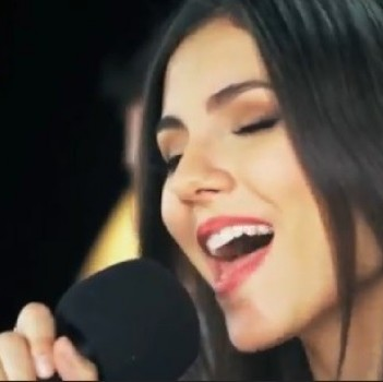 "Victoria Justice's Awesome Cover of ""Some Nights"" by Fun. (WATCH!)"