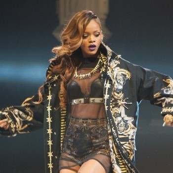 Is Rihanna Canceling Shows Because She's Pregnant? (CLICKWORTHY!)