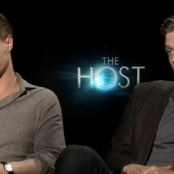 'The Host' Stars Max Irons and Jake Abel Talk Stephenie Meyer's Coolness (WATCH!)