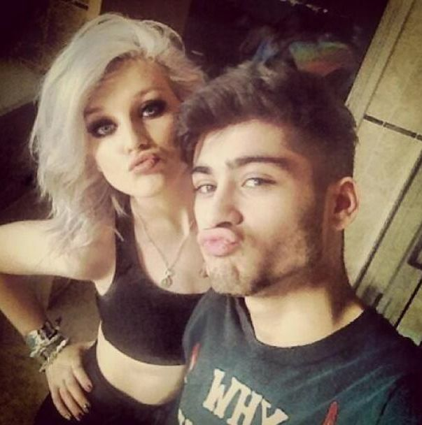 Zayn Malik and Perrie Edwards selfies duck face pic