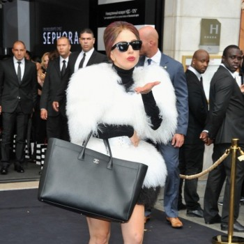 �Lady Gaga Resurfaces in NYC at 'Gatsby' Screening