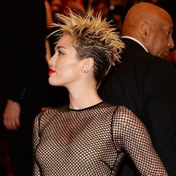 Miley Cyrus Attends Met Gala Without Liam Hemsworth or Engagement Ring