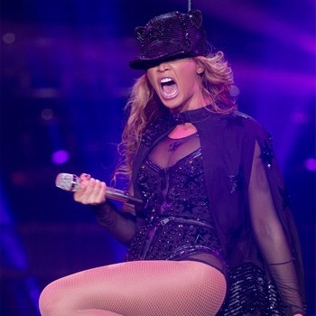 Beyonce Demands Red Toilet Paper While on Tour?!