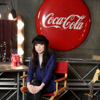 Carly Rae Jepsen Q and A! What Has She Learned From Justin Bieber?