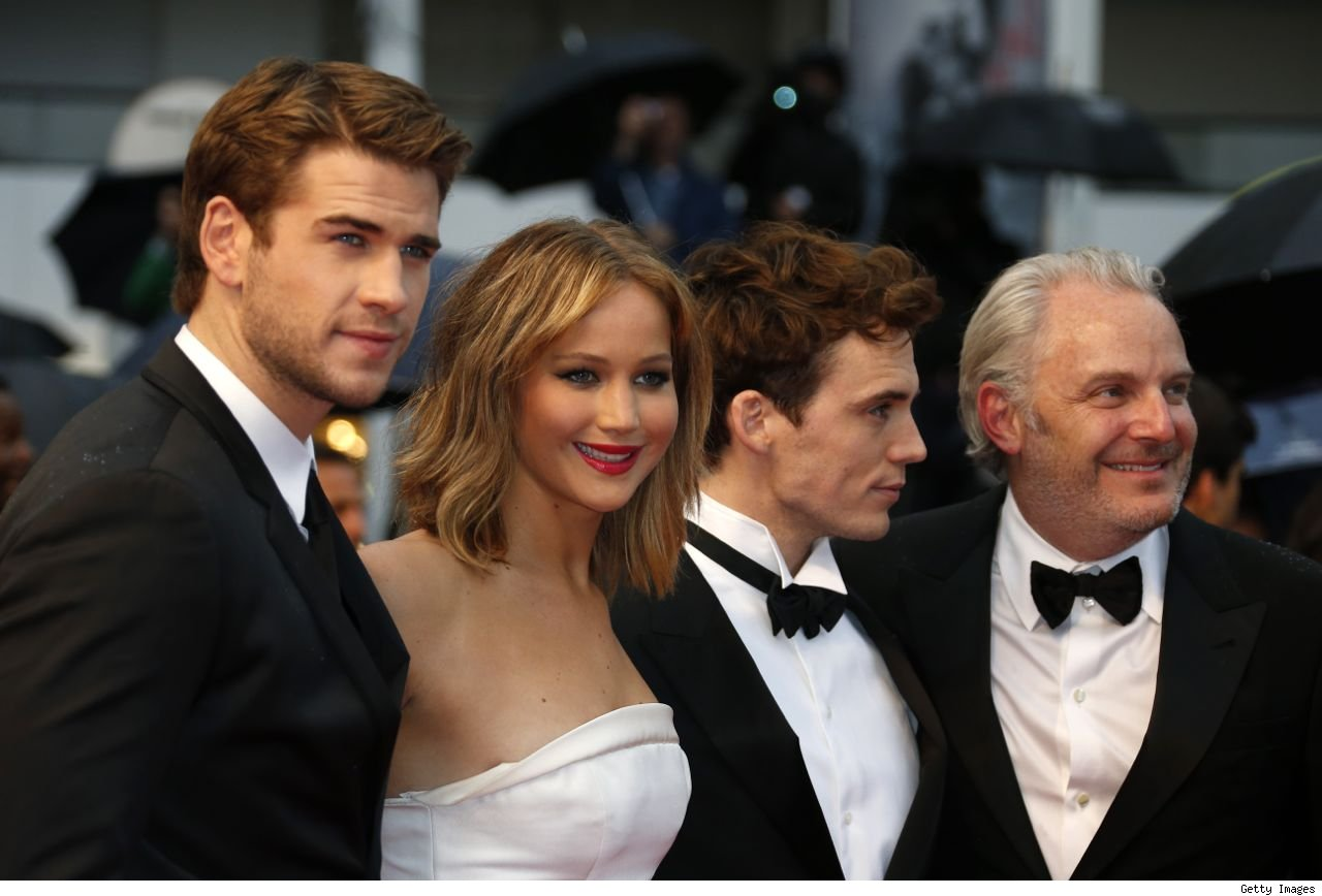 Jennifer Lawrence and Liam Hemsworth flirty hookup in Cannes