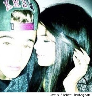 Selena Gomez and Justin Bieber back together booty call Justin house