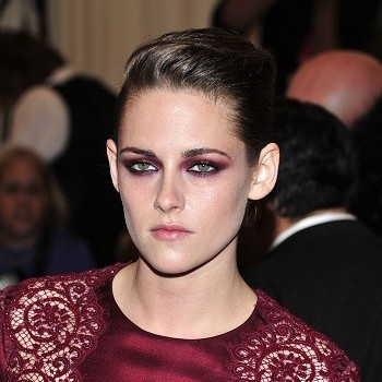 Kristen Stewart Rushes to Taylor Swift's House After Robert Pattinson Breakup?