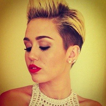 Miley Cyrus: Topless Picture Leaked From 'Maxim' Shoot?