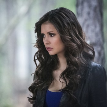 "'The Vampire Diaries' Season 4, Episode 22 Recap: ""The Walking Dead"""