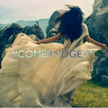 Selena Gomez Posts New Dance Video (WATCH!)