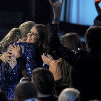 Selena Gomez Reportedly Doesn't Care Taylor Swift Dislikes Justin Bieber