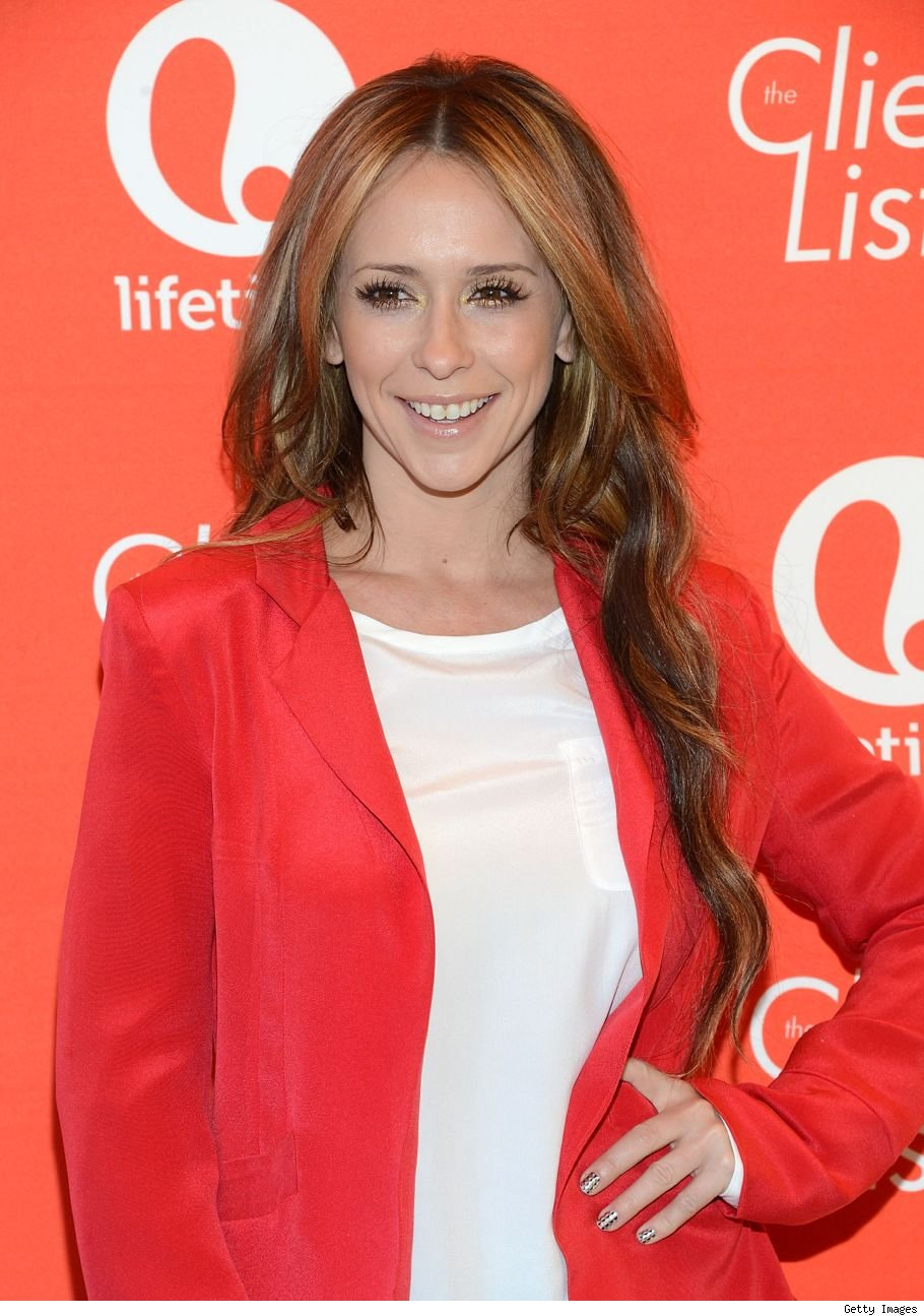 Is Jennifer Love Hewitt pregnant