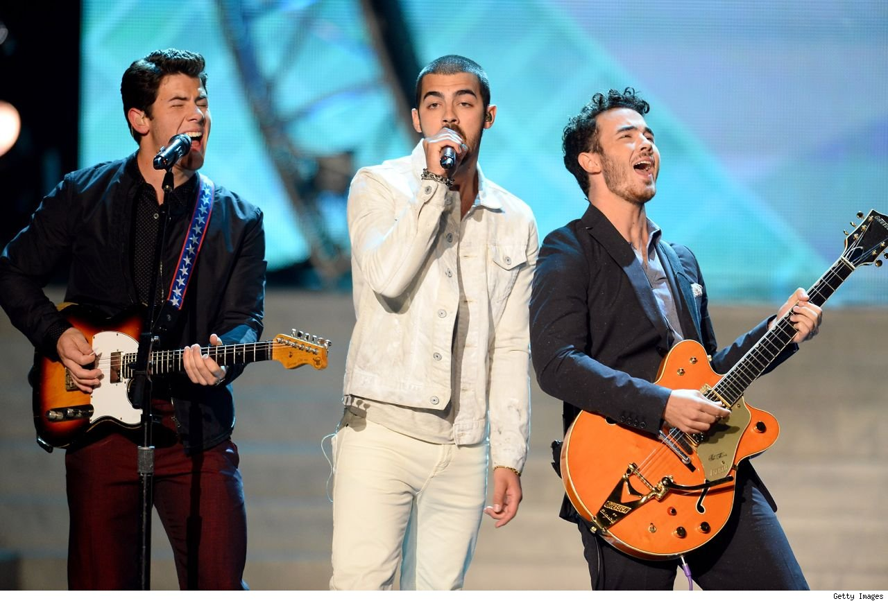 Jonas Brothers Miss USA 2013 Neon preview video