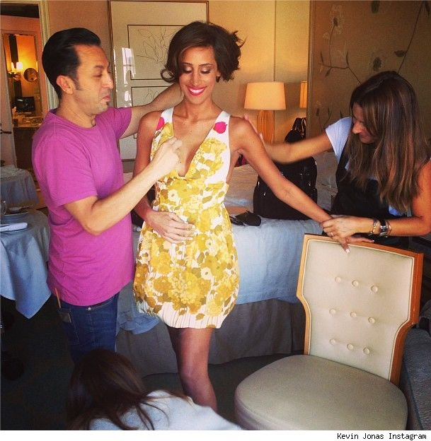 Danielle Jonas baby bump pregnant Teen Choice Awards pic