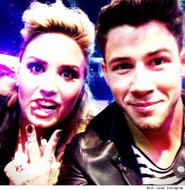Demi Lovato and Nick Jonas teen choice awards 2013 cuties