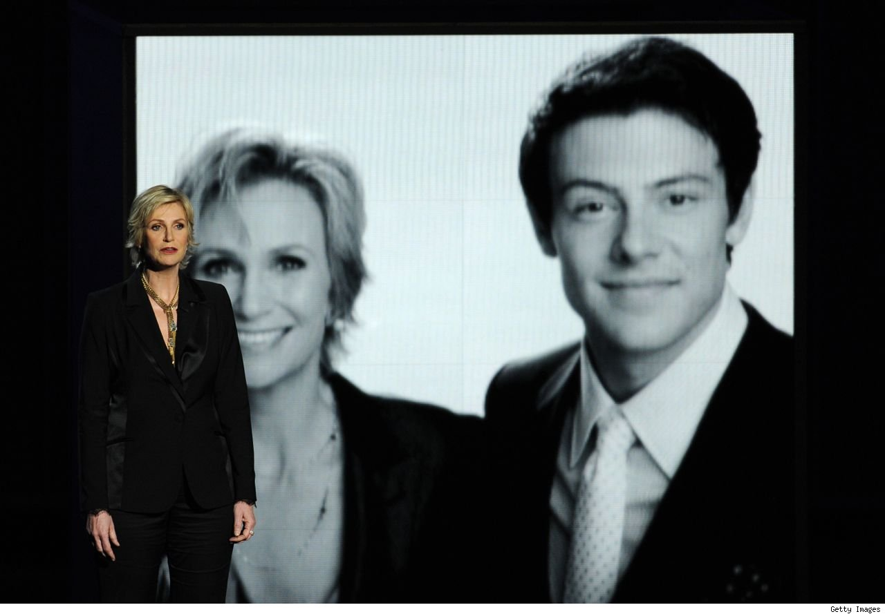 Watch Jane Lynch Cory Moneith Emmys 2013 tribute video