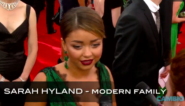 Sarah Hyland 2013 Emmys red carpet interview video