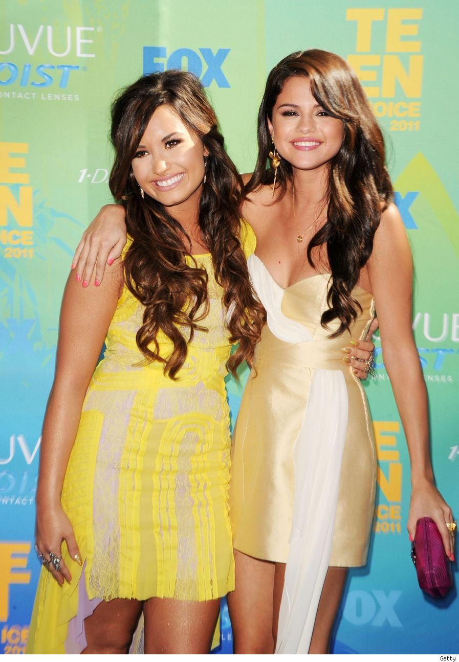 Selena Gomez Demi Lovato Friends Getty Fighting Movie Role Cambio