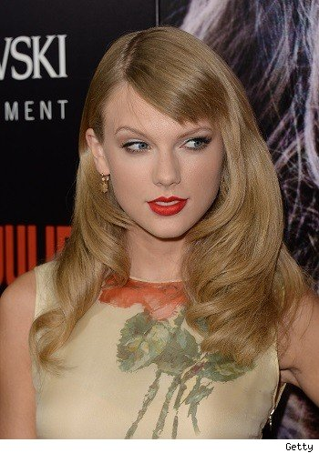 Taylor Swift Shows Off a New Hairstyle: Like or Dislike?
