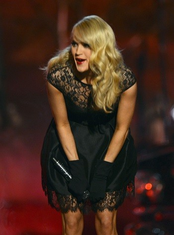 Carrie Underwood Suffers Kitchen Cooking Nightmare Cambio