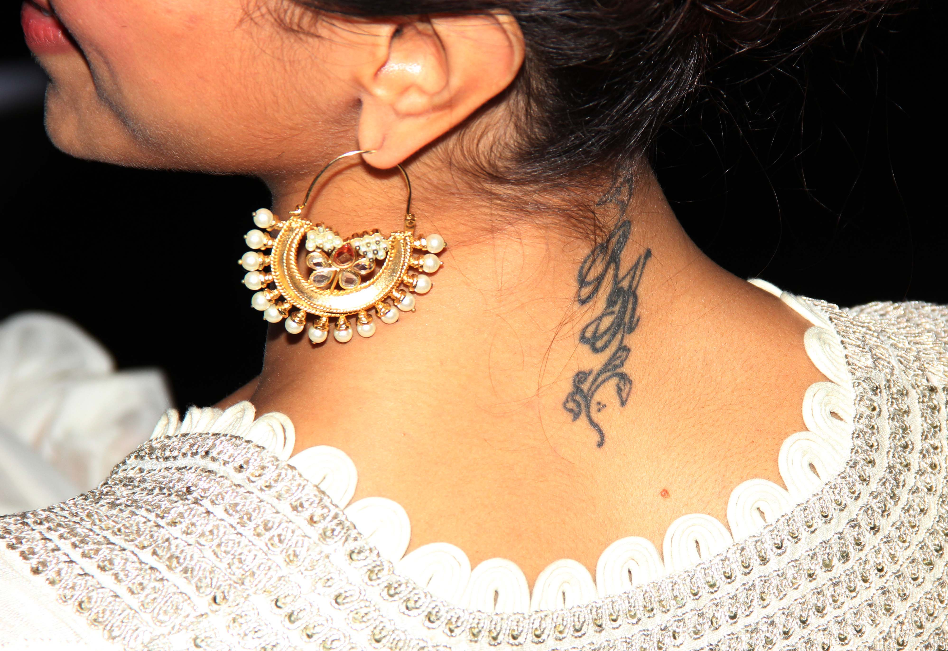 15 Tiny Tattoos and Their Big Hidden Meanings ...