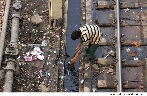 Sanitation: An issue too light for Indian Railways?