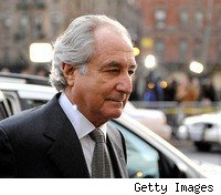 bernie-madoff-ponzi-schemer-punches-prisoner-in-the-penitentiar
