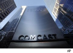 Comcast faces FCC involvement in its fee dispute with Level 3 Communications and a new campaign to block its pending acquisition of NBC Universal, but shareholders appear unfazed.