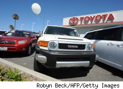Toyota hopes sales incentives will bring customers back in 2010 despite recalls