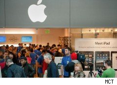 iPad shoppers at Apple store