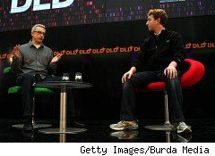 'Facebook Effect' author David Kirkpatrick (L) and Facebook CEO Mark Zuckerberg (R)