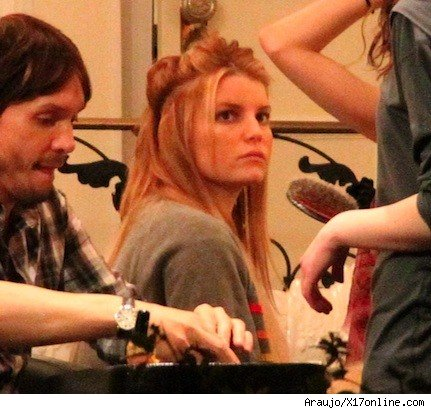 Jessica Simpson at a salon