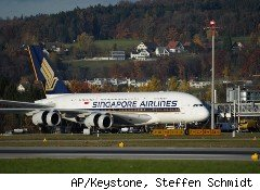 Singapore Airlines has pulled three of its A380 superjumbo jets after discovering problems with the planes' Rolls-Royce engines during testing.