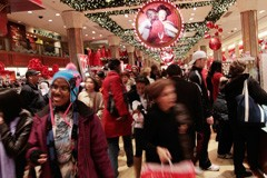 Holiday Sales Gains Don't Mean Much to the Economy