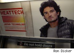 Uniglo subway ad for HeatTech