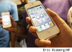 iPhone 4S Siri Defaults Put Privacy at Risk