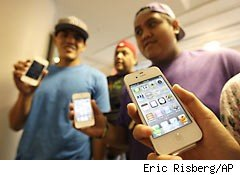 3 ways to save $300 with the iPhone 4S
