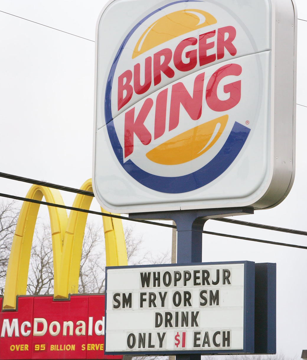 comparing mcdonalds and burger king financial earnings Financial analysis of mcdonalds vs burger earnings burger king 2014/08/2014 mcdonald's vs burger king compare and contrast this paper.