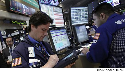 US stocks mixed as European debt crisis festers