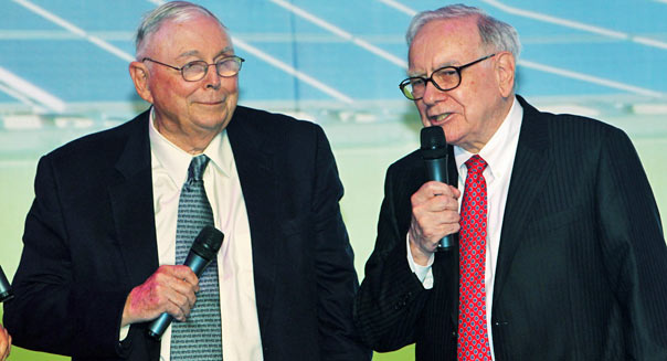 charles munger warren buffett berkshire hathaway annual meeting