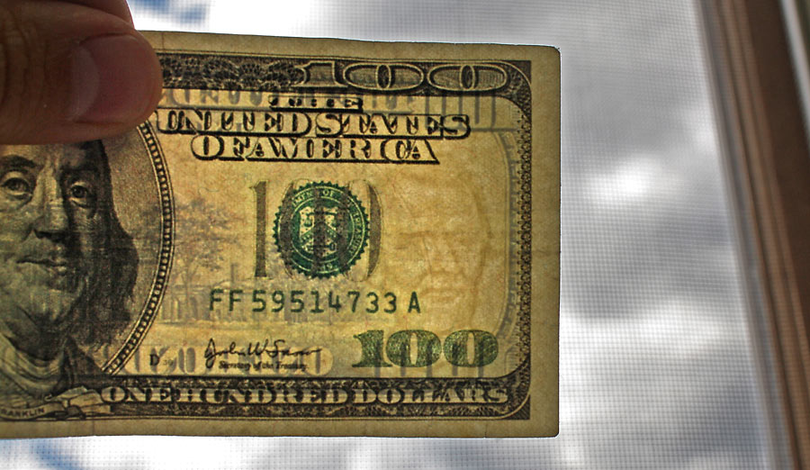 best paper for counterfeit money When banks and businesses around the nation's capital find counterfeit a space filled with money counters feeling how two sheets of paper had been glued.