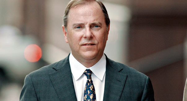 Former Enron chief executive Jeff Skilling arrives at the Bob Casey Federal Courthouse Monday April 17, 2006 for cross-examination by the governmanet in the fraud and conspiracy trial against Skilling and Ken Lay.