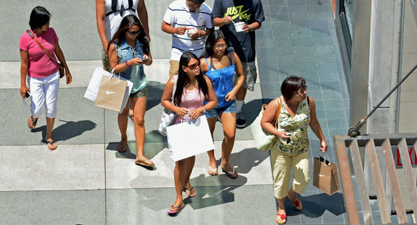 shoppers california mall consumer confidence may economy
