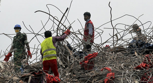 rana plaza factory building collapse rescue workers