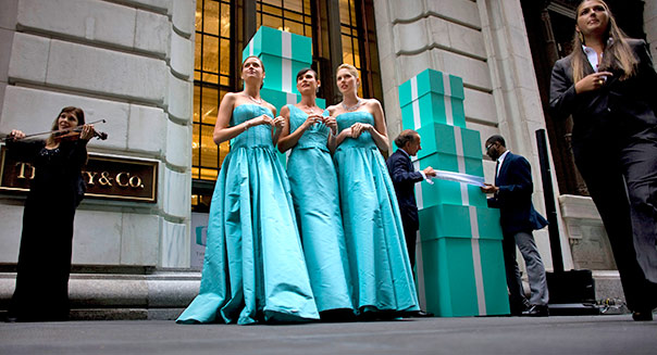 Models are seen outside the new Wall Street Tiffany & Co. Oct. 10, 2007 the day Tiffany & Co. when public and for the opening of their new Wall Street store in New York. Photographer: Robert Caplin/Bloomberg News
