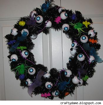 Eyeball Halloween wreath, by Amy at craftydame.blogspot.com