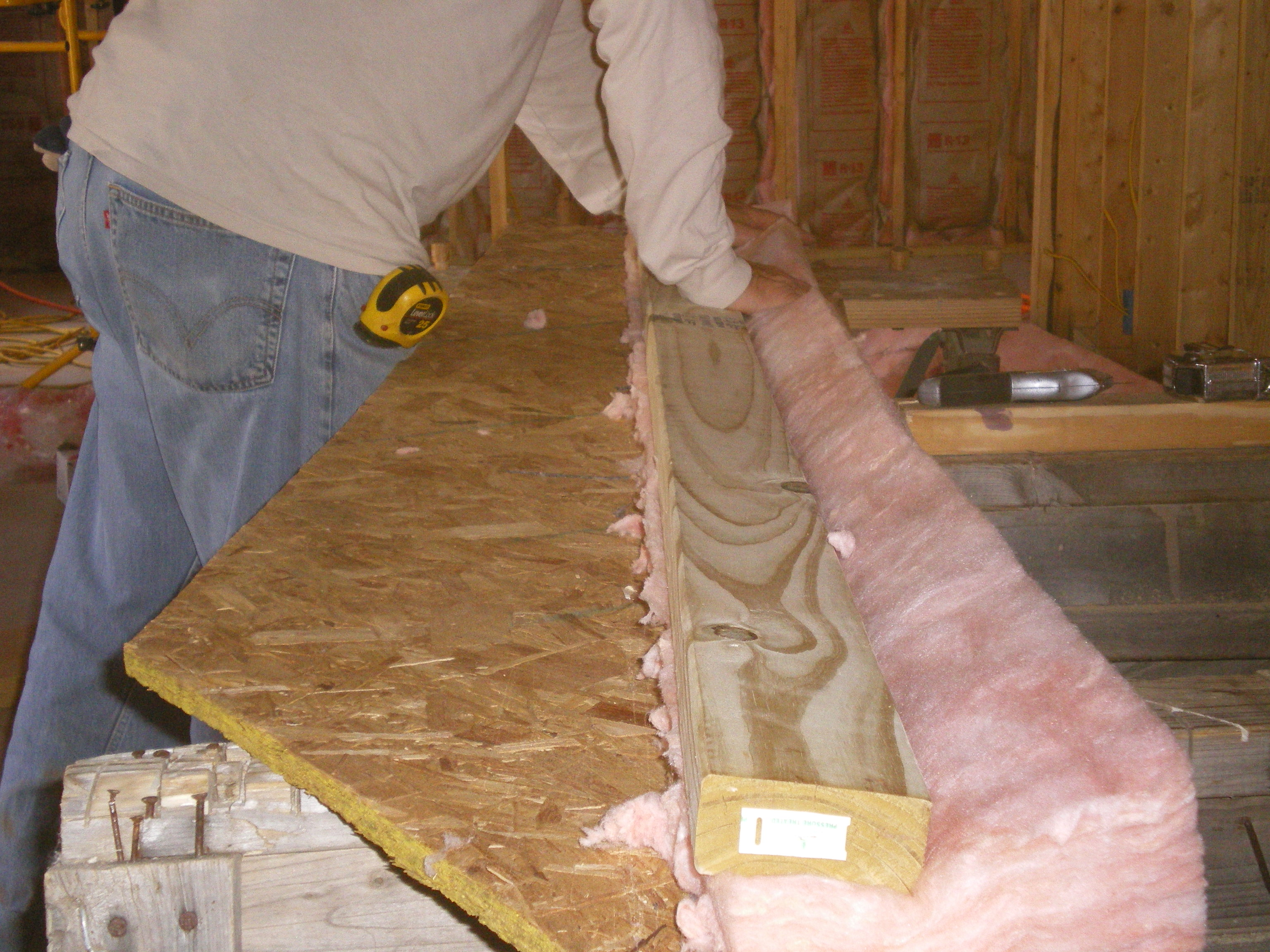 how to cut insulation batts