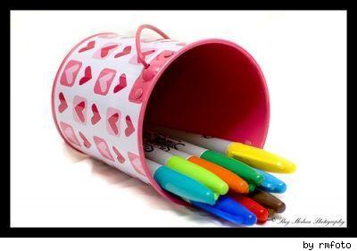 Sharpies in a heart canister, by Flickr user rmfoto.